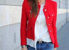 С какими цветами сочетается красный цвет в одежде?