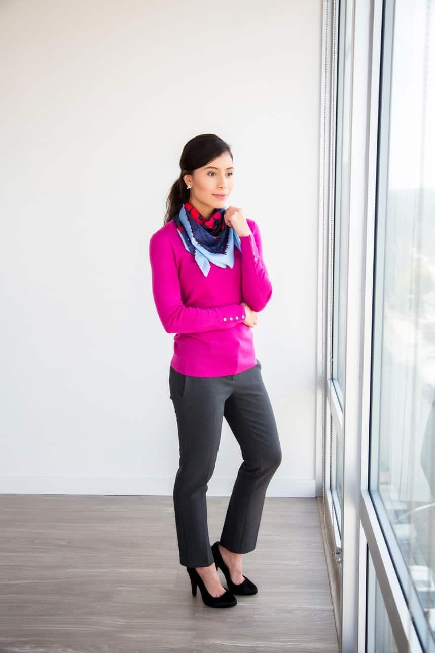 как красиво завязать шарф со свитером