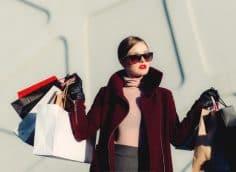 Почему не стоит покупать одежду на распродажах